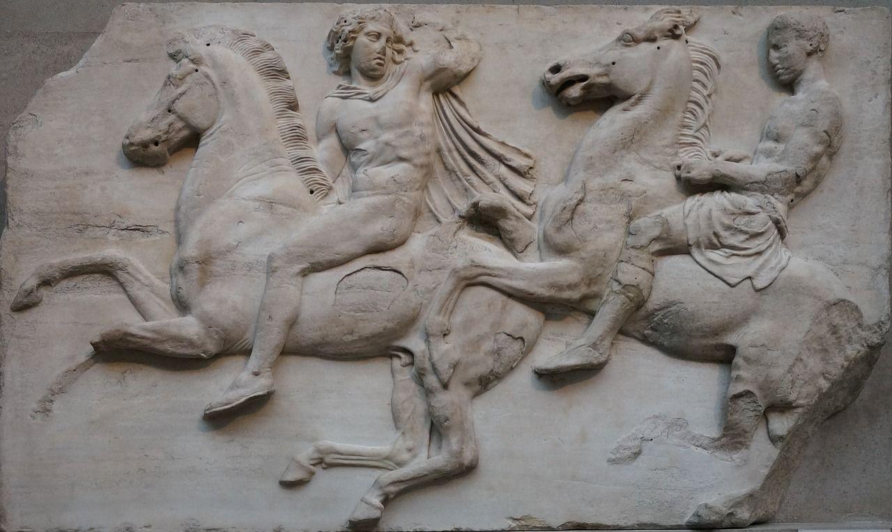 大英博物館的帕德嫩神廟《埃爾金石雕》,是古希臘藝術的巔峰之作(上面提到的三條它都滿足)